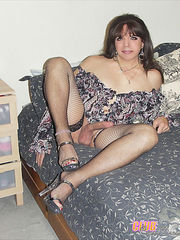 Sissy boys in dress. Guys crosdressed and hard analy fucked. Boys in sexy dress gallery. Crossdressing sluts getting their hard cocks sucked. Sissy Crossdresser Pics.